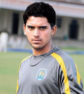 Deepak Chahar Raising Pune Supergiants IPL9 team player